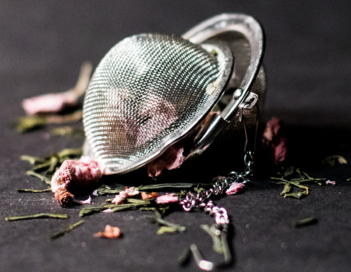 how to clean a tea infuser